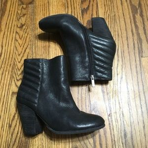 Vince Camuto Hana Leather Heel Ankle Booties Sz 8